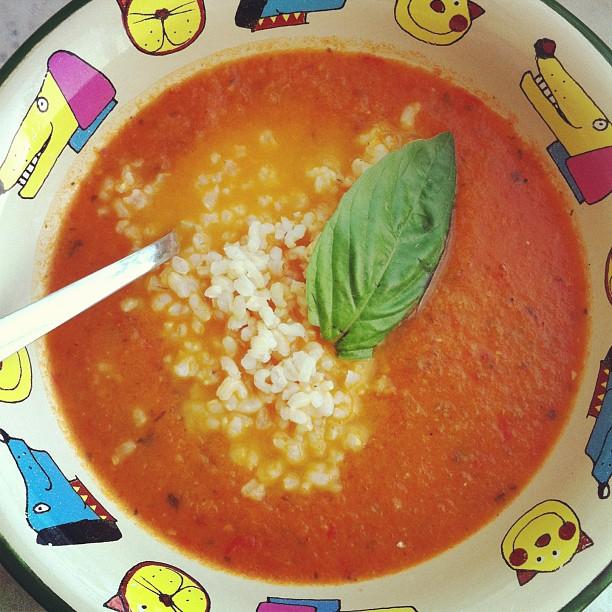 מרק עגבניות מדור לדור. הבו לי עוד מהאדום האדום הזה!