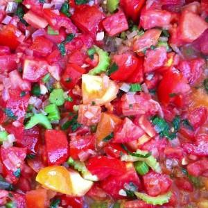 תמר מאורכות, בנדורות שמנמנות, עגולות מאשכולות - עשו לכם חגיגת עגבניות