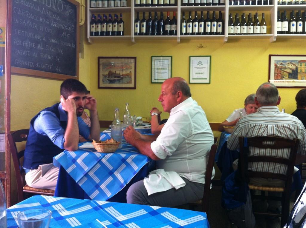 ברומא, אכול עם האיטלקים. דה אנזו