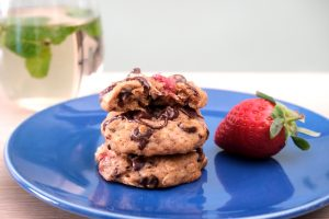 עוגיות שיבולת שועל עם תותים ושוקולד