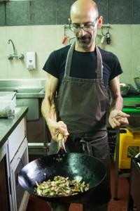 גם אופה וגם מבשל. דודי ברזילי, השף של עוגתה