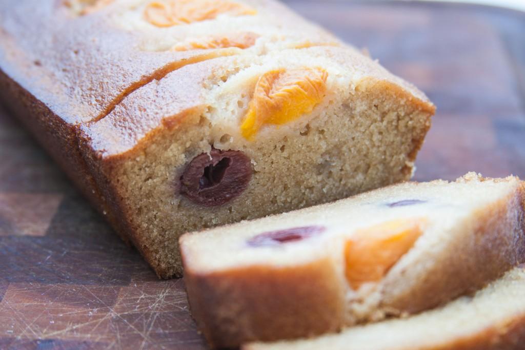 עוגה עסיסית ומפנקת, עם הפירות שאתם אוהבים