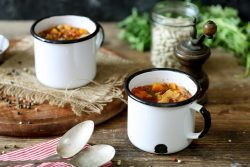 מרק שעועית חורפי עם גריסים