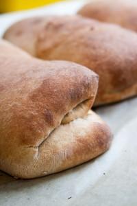 לחם ממולא זה מעולה. בצק טבעוני