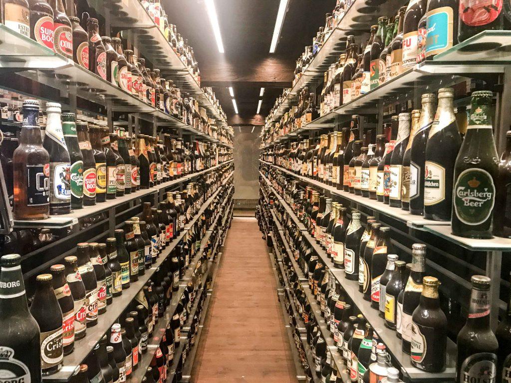 האוסף של קרלסברג. מעל 20 אלף בקבוקים שונים