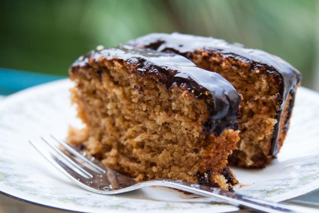 עוגת תפוזים בציפוי קרם שוקולד קפה