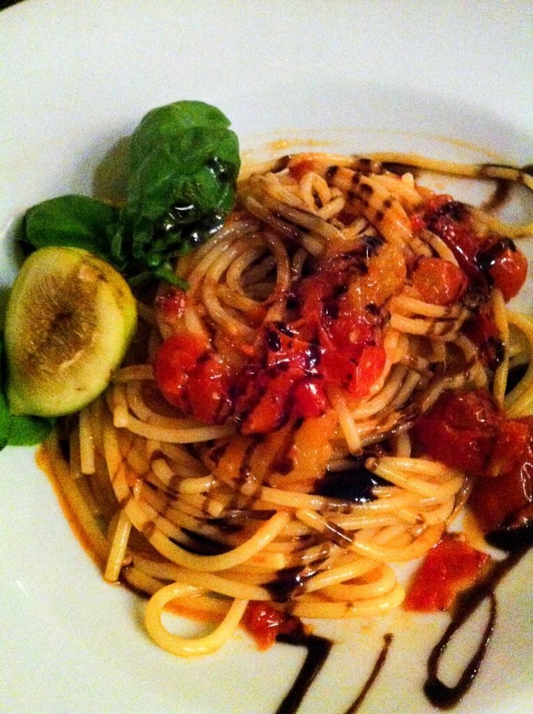 המנה וההשראה. פסטה ברוטב עגבניות ותאנים