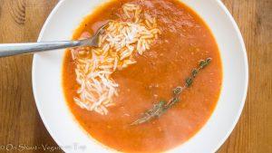 מרק עגבניות ופלפלים קלויים