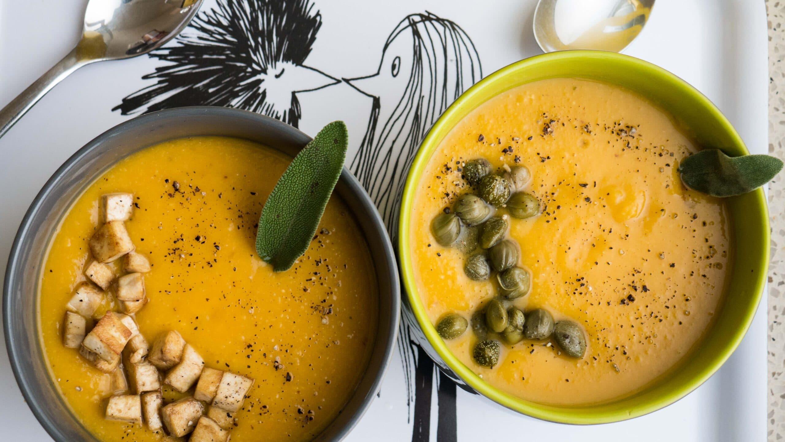 מרק טבעוני עם אפונה צהובה