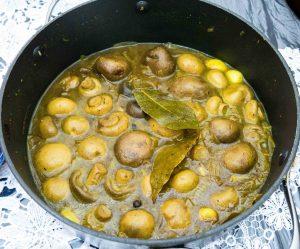 תבשיל פטריות ותבלינים