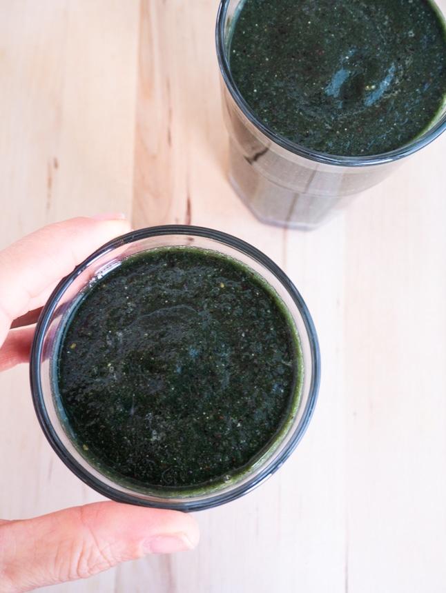 שייק ירוק עם ספירולינה טרייה