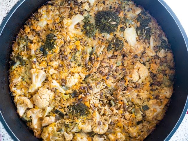 מג'דרה-מקלובה אפויה של אורז מלא