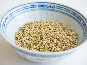 כוסמת ירוקה לא קלויה להכנת טורטייה