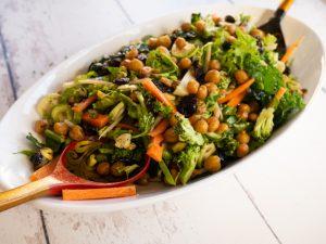 סלט פריך של ירקות חורפיים