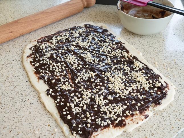 קראנץ שוקולד טבעוני - שלב המילוי