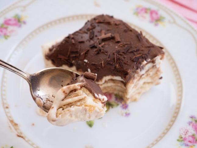 עוגת ביסקוויטים טבעונית של אורי שביט