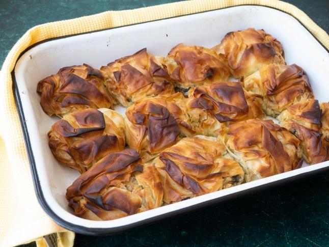 מאפי פילו במילוי גבינת משי ותרד