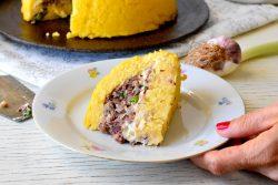 עוגת פולנטה במילוי שעועית וקרם שקדים