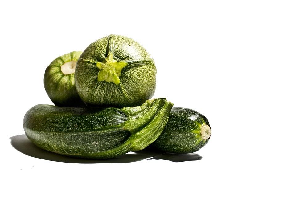 חומוס זוקיני, טחינה ועשבים. צילום: pixabay